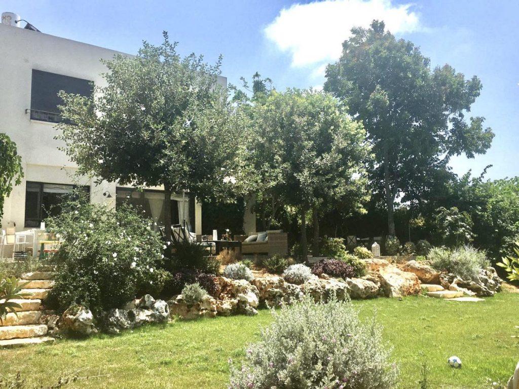 וילה מדהימה להשכרה, בבית יצחק !!!Exclusive