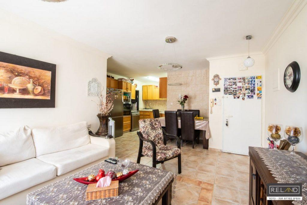 דירת 4 חדרים בפרדס חנה למכירה!!!חדש