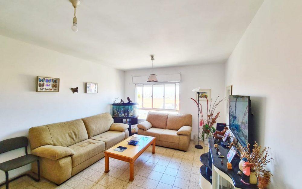 דירת 3 חדרים למכירה בפרדס חנה.חדש