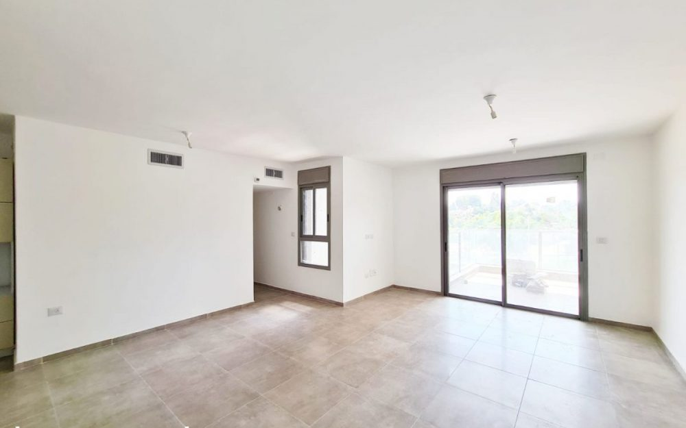 דירת 4 חדרים למכירה בפרדס חנה!!!חדש