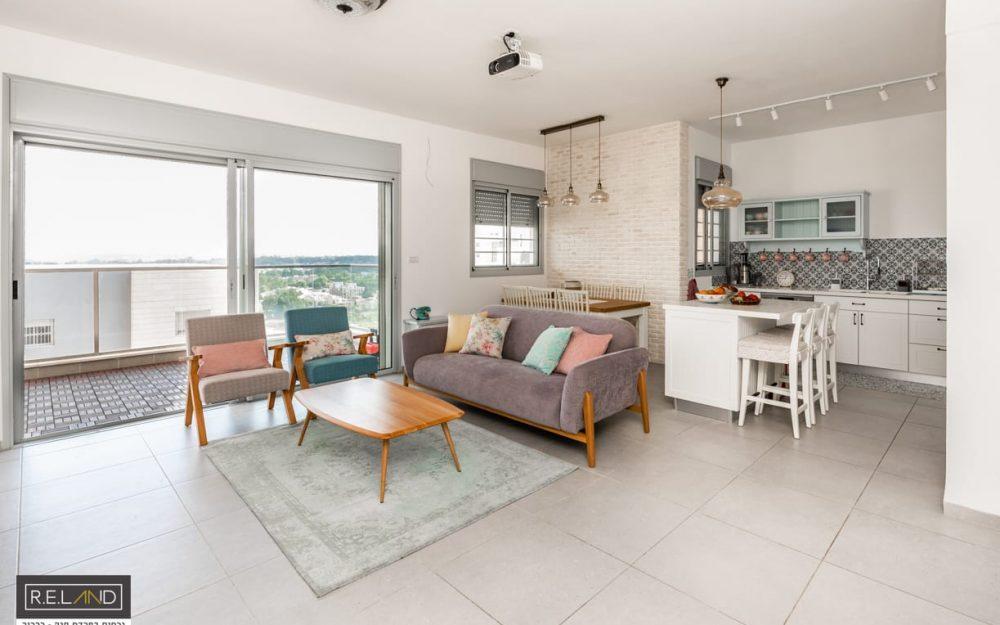 דירת 4 חדרים להשכרה בפרדס חנה.חדש
